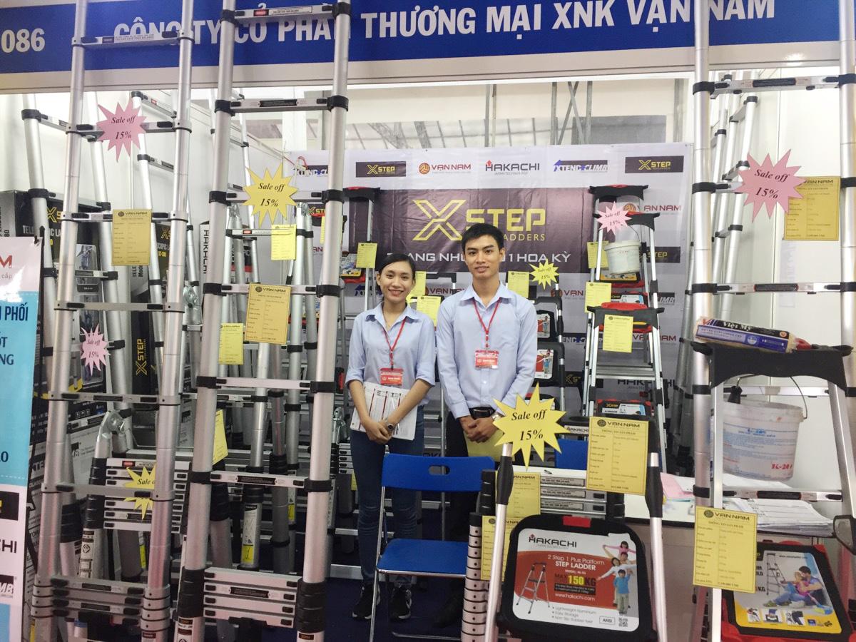 thang nhôm Vạn Nam tham gia hội chợ Vietbuild